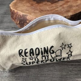 'Reading is my superpower' etui