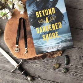 Beyond a darkened shore Boekenlegger Lint